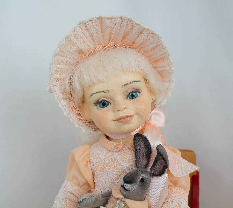 Кукла ручной работы для интерьера