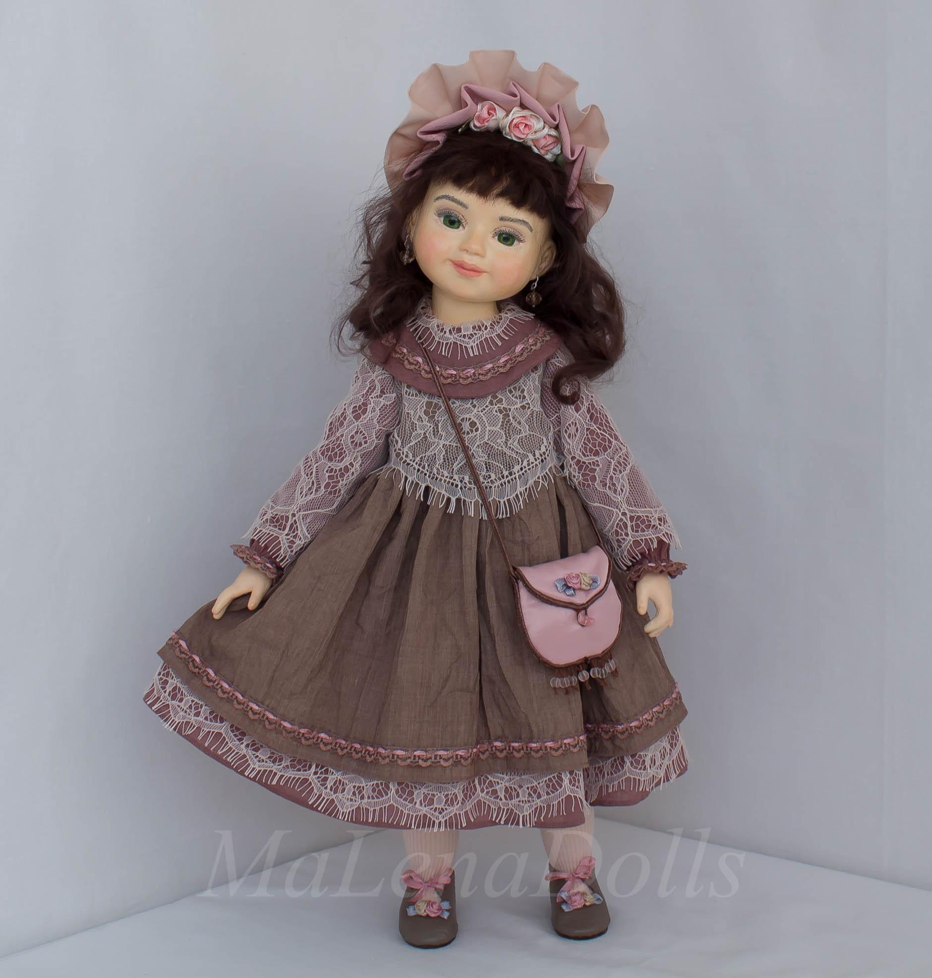 Кукла с зелеными глазами